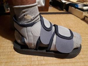 片足サンダルで会社に 小指を角にを甘く見てはいけない(2)